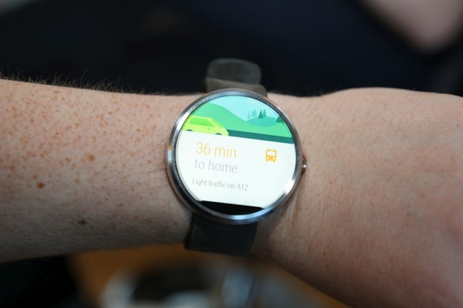 Moto 360 am Arm