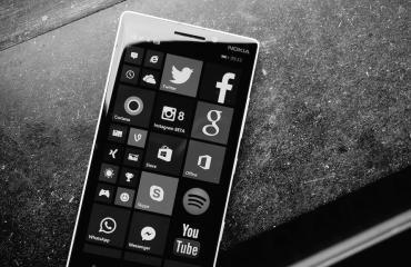 Windows Phone Header 4