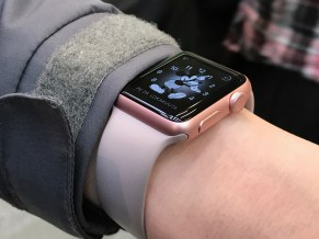 Lähikuva Apple Watch -kellosta.