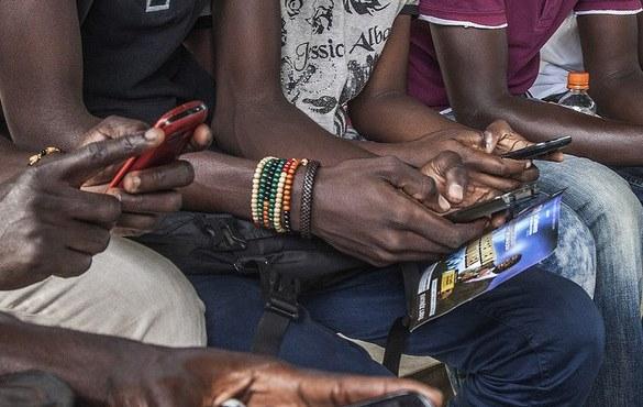 Africa-mobile-phones-2