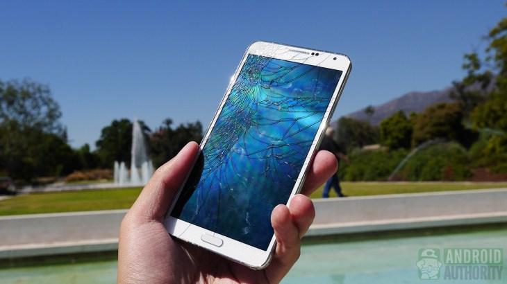 Samsung-Galaxy-Note-3-drop-test-cracked-screen-aa-5