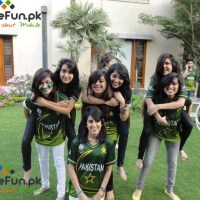 Pakistani Cricket Team, Girls Supporters