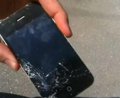 iPhone 4 drop tested and failed Photo: iFixYouri