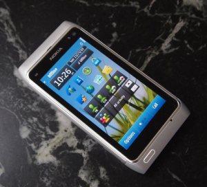 Nokia-N8_angle