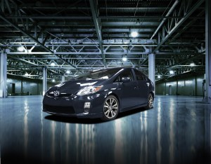 2012-toyota-prius-plus-front-three-quarters