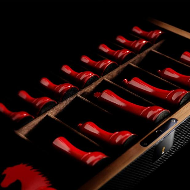 Ferrari-carbon-fiber-chess-set-3