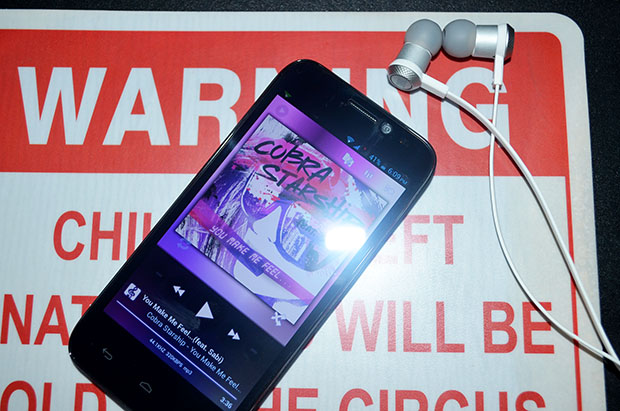 Cherry Mobile Flare HD with JBL Headset