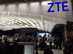 ZTE_MWCbooth