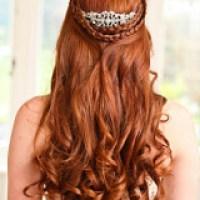 Veja Penteados com cachos faceis  de fazer e lindos de ver