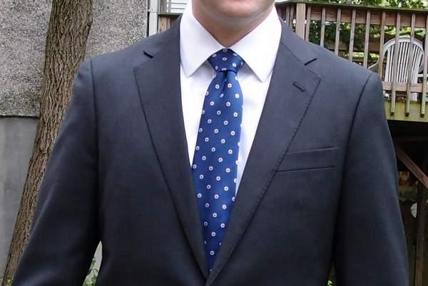 Black-Lapel-Charcoal-Suit-close-up