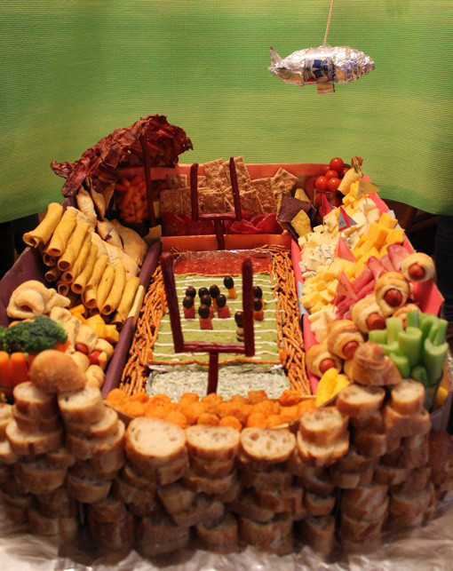 10 Amazing Super Bowl Stadiums … Made Out Of Food blimp
