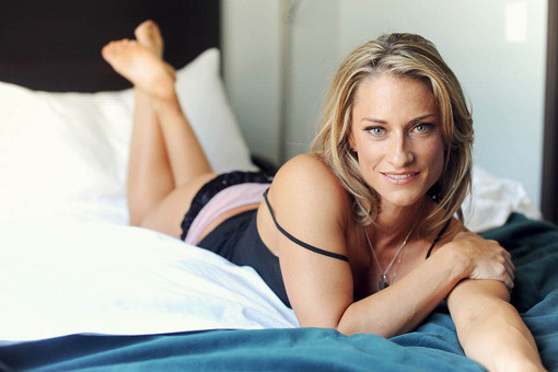 what you should (and shouldn't) say to a woman in bed not your type