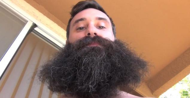 dude records beard growth for a year sports monster face. Black Bedroom Furniture Sets. Home Design Ideas