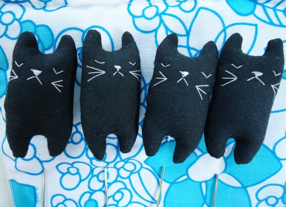 modflowers: black cat stickpins