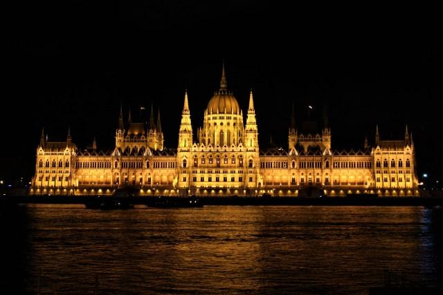 Budapeszt - część III - miasto nocą