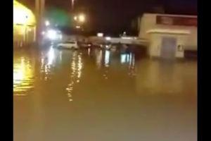 فيديو.. للمرة الثانية مطعم البيك في بريدة يغرق بعد هطول الأمطار الغزيرة