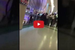 فيديو.. مواطن يحاول رمي شاب من الدور الثالث بعد أن تحرش بزوجته بمجمع الرياض
