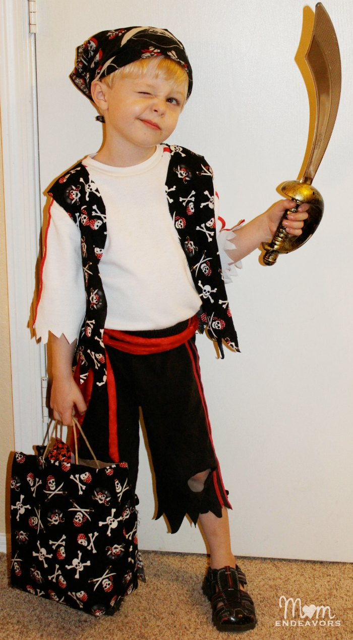 Quick Easy Diy Pirate Halloween Costume
