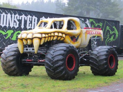 monster truck tour 7