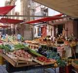 Palermo / Tra antichi mercati e cibo di strada
