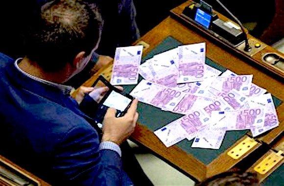 Lo stato continua a distribuire denaro a palate ai gruppi for Gruppi parlamentari