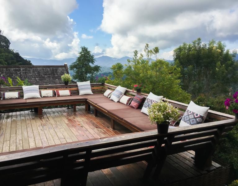 Construire une terrasse sur pilotis  à quel prix et qui contacter - Terrasse En Bois Suspendue Prix