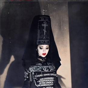 Black Kalimavkion - Karina Akopyan, Photographer: Izaskun Gonzalez
