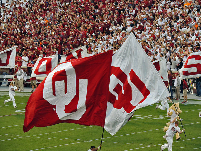 Early Fall Wallpaper Catch A University Of Oklahoma Sooners Sports Team