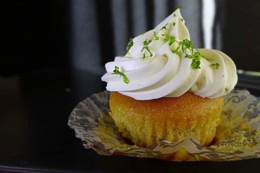 cupcake de elote y frosting