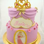 doornroosje taart tiara goud roze marie