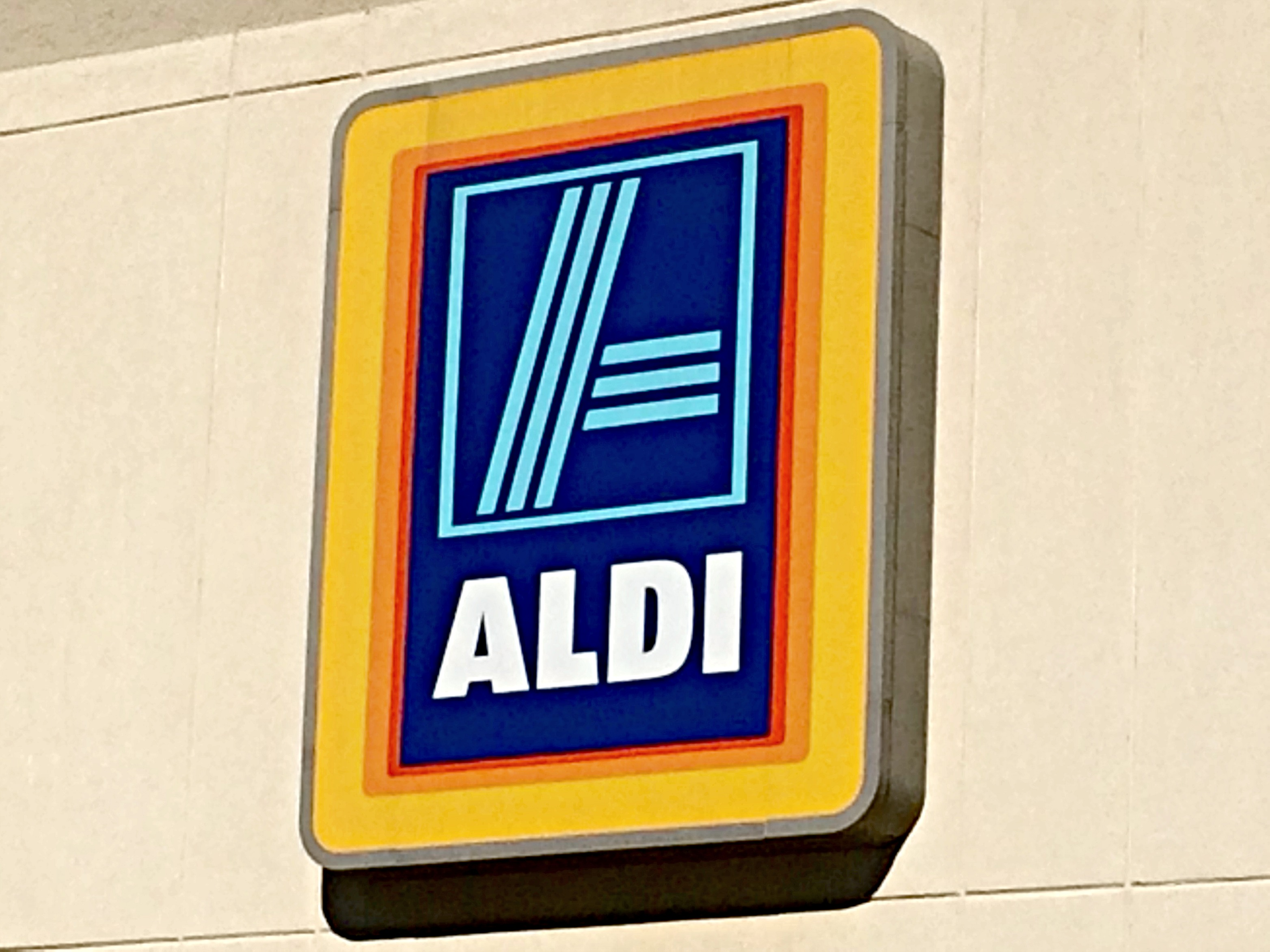 aldi inventory With the move, aldi is hoping to sustain a growth spurt by bringing its stripped down inventory of deeply discounted store-brand staples to city.