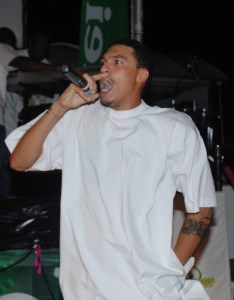 SXM rapper Versatile performs at the St. Maarten Green Synergy Music Awards!