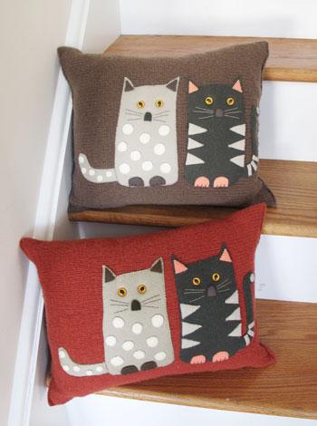 Cat Pillow Knitkit Morehouse Farm