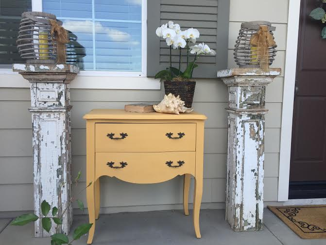 how to easily paint old furniture, tips for using Chalk Paint® by Annie Sloan, how to use Chalk Paint®