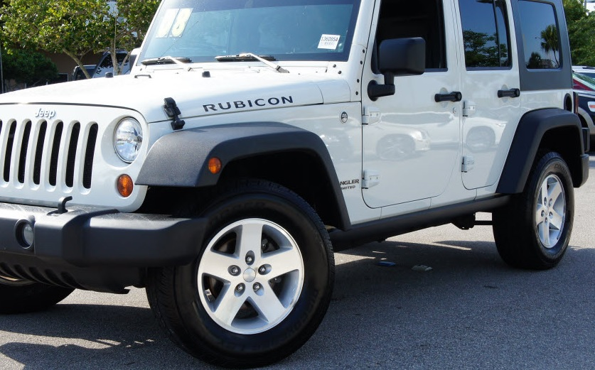 Jeep Knowledge Center - What Size Tires Are On a Stock Jeep JK?