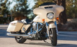 2014 Harley-Davidson Street Glide Special vs. Indian Chieftain ...