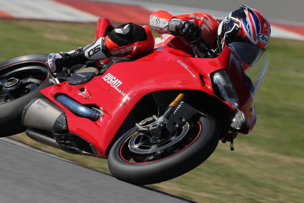 2015 Ducati 1299 Panigale First Ride Review + Video
