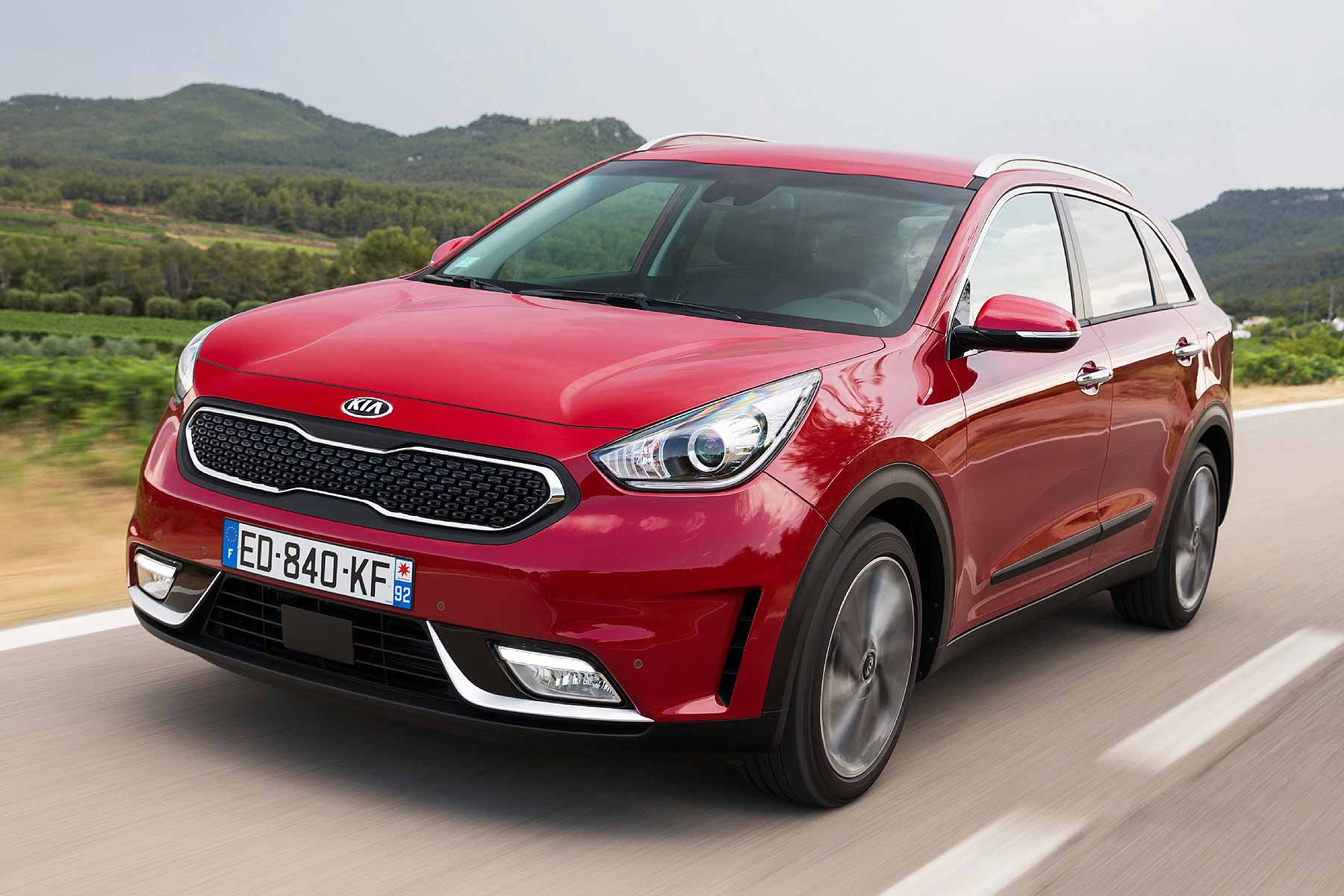 kia niro prices revealed 21 295 for new hybrid crossover motoring research. Black Bedroom Furniture Sets. Home Design Ideas
