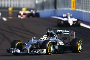 Lewis Hamilton Mercedes F1 W05 Hybrid_02