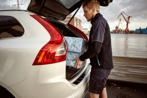 170006_Volvo_In_car_delivery