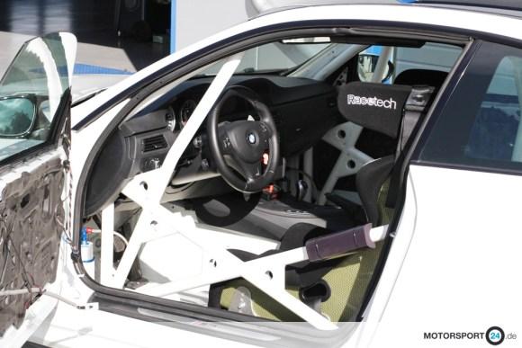 Innenansicht eines weißen M3 E92 Rennwagen