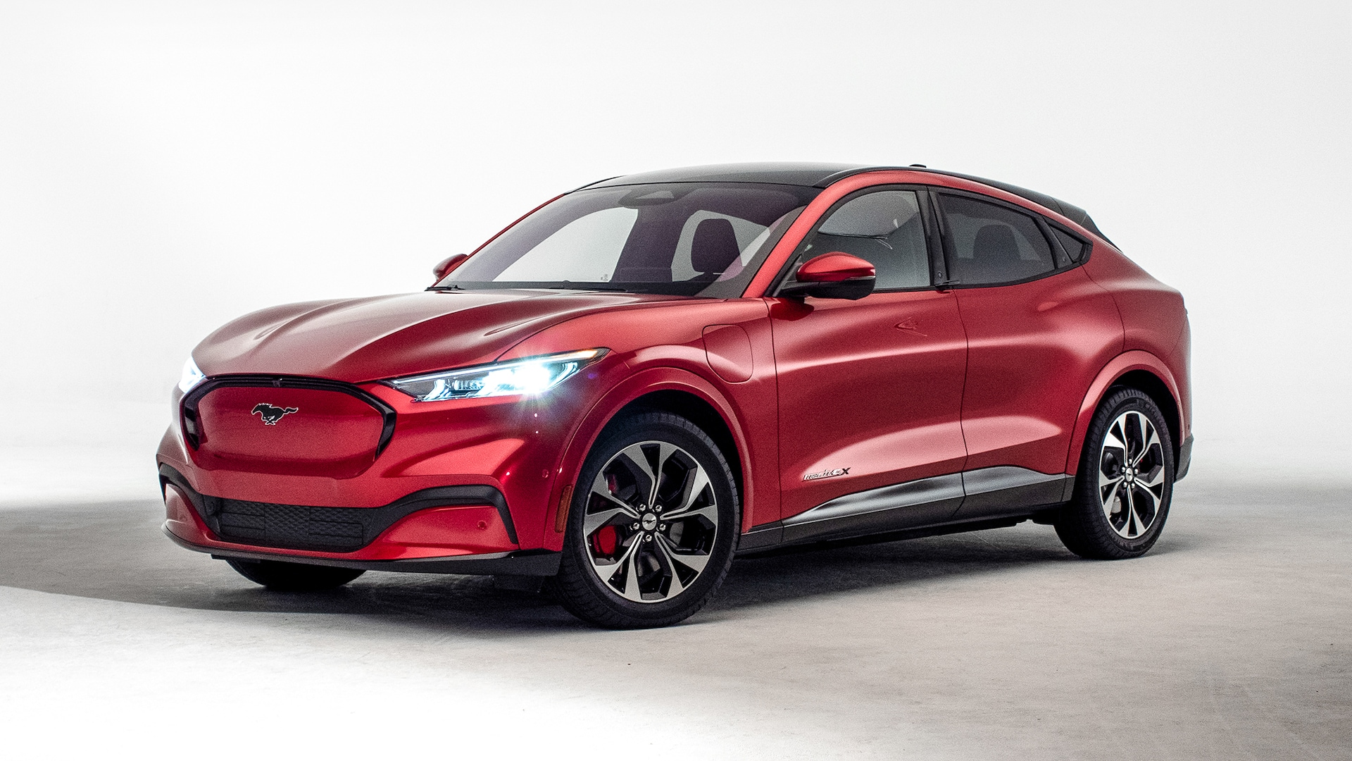 2021 ford mach e will combine electric power with mustang