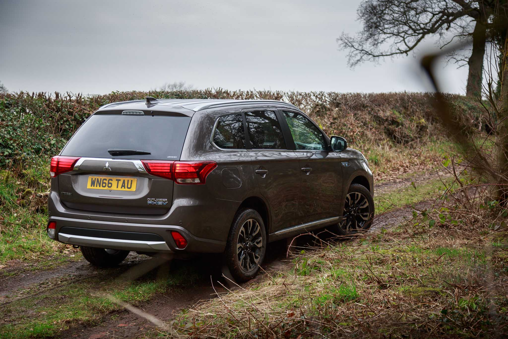 Mercedes Modified Cars Wallpapers Mitsubishi Outlander Phev Gx3h 2017 Gallery