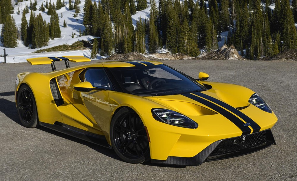 Mini Car Hd Wallpaper 2018 Ford Gt Driven On Road And Track
