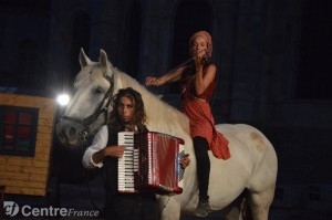 zalzaros-hors-controle-spectacle-equestre-15-07-2015-vezelay_2187921