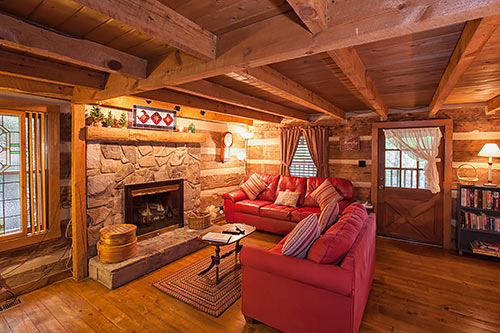 The Robinu0027s Nest TR#1 - log cabin living rooms