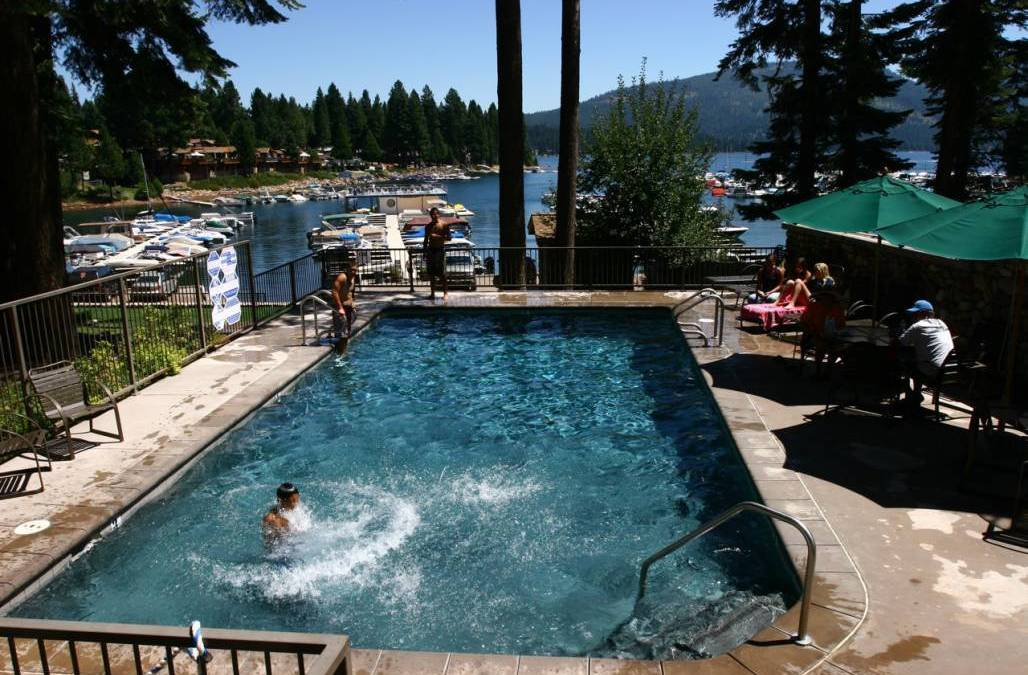 A Stay on The Peninsula Lake Almanor Knotty Pine Resort (530) 596-3348 Lake Almanor Ca Lake Side Resorts lake Almanor Lodging WebDirecting.Biz