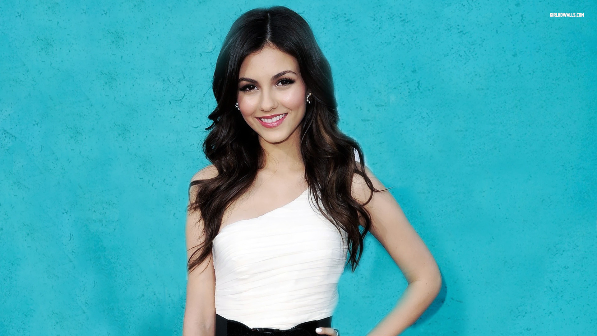Beautiful Girl Full Screen Wallpaper Victoria Justice Hd Wallpapers Movie Hd Wallpapers
