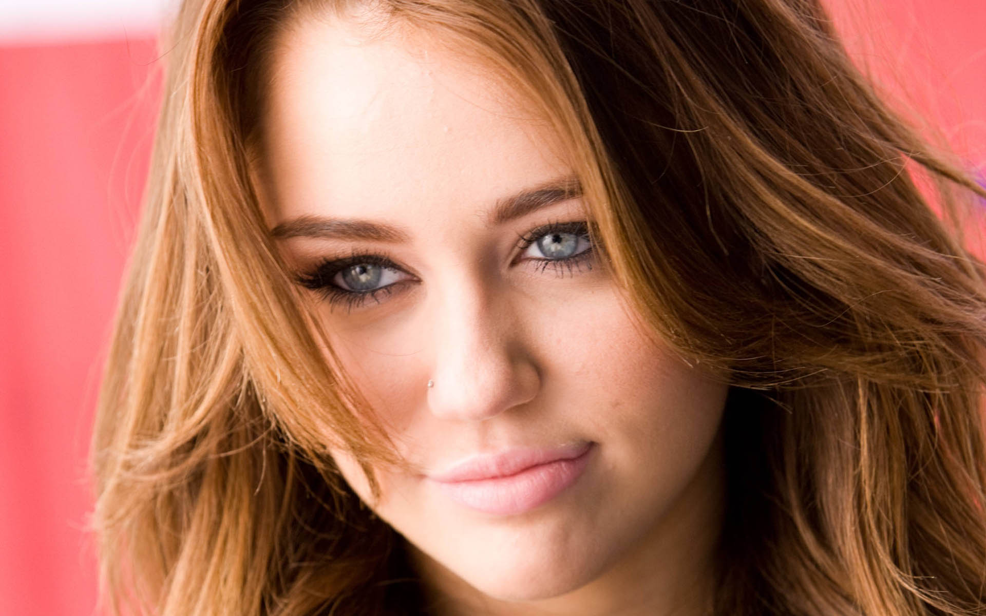 Katrina Kaif Cute Face Hd Wallpapers Miley Cyrus Wallpapers Movie Hd Wallpapers