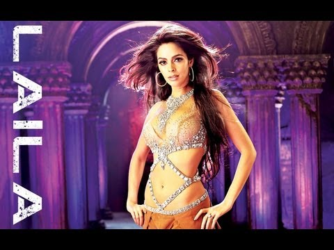 Hot and Sexy Mallika Sherawat as Laila in TEZZ